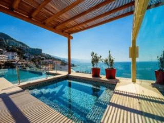 V177/201 Condo in the heart of Los Muertos Beach - Puerto Vallarta vacation rentals