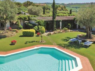 Bright 7 bedroom Bed and Breakfast in San Costanzo - San Costanzo vacation rentals
