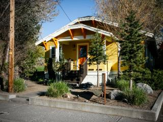 Lava Flo in Downtown Bend, Hot tub, Pet Friendly - Bend vacation rentals