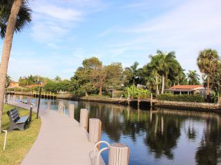 Ocean Access Canal Living w/Dock & Full Amenities - Oakland Park vacation rentals