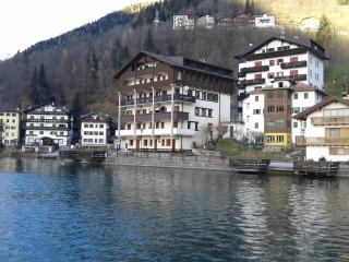 Nice Condo with Internet Access and Central Heating - Alleghe vacation rentals
