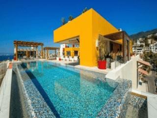V177/404 CONDO LOS MUERTOS BEACH/ROMANTIC ZONE - Puerto Vallarta vacation rentals