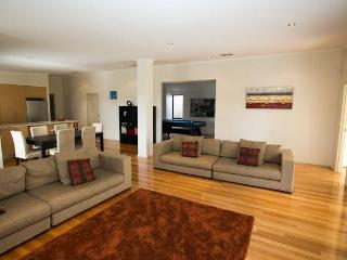 Four Seasons House Perth (nr Fremantle), 4 bedroom - Fremantle vacation rentals