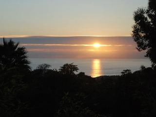 Secluded Cottage Getaway, Dramatic Ocean Views - Laguna Beach vacation rentals