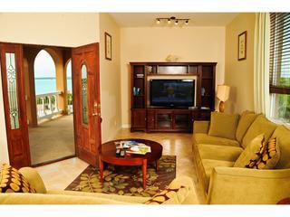 Luxury WATER VIEW 2 BED Villa - Five Cays Settlement vacation rentals
