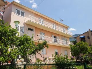 Nice Condo with Television and Satellite Or Cable TV - Podgora vacation rentals