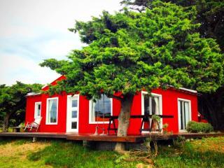 CASA MADERO cabaña Campo & Mar, Costa Atlantica - Mar de Ajo vacation rentals