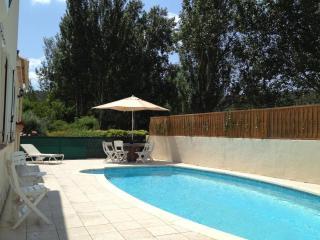 Bright 4 bedroom Villa in Taradeau - Taradeau vacation rentals