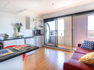 King location - life at your door - Sydney vacation rentals