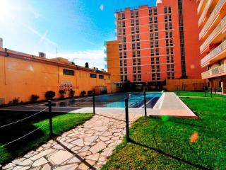 3 bedroom Apartment with Shared Outdoor Pool in Malgrat de Mar - Malgrat de Mar vacation rentals