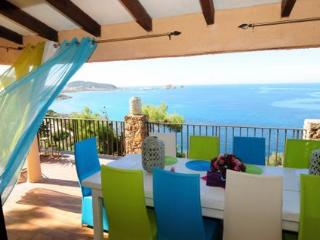 Charming Villa with Hot Tub and Television - Ile Rousse vacation rentals
