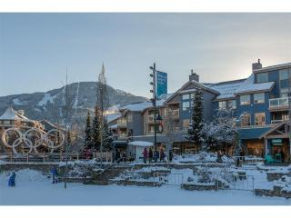 'Tyndall Stone Lodge' 2.5 Bedroom, amazing location at Celebration Plaza - Whistler vacation rentals