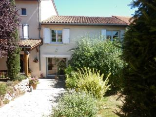 2 bedroom Bed and Breakfast with Internet Access in Montbrison - Montbrison vacation rentals
