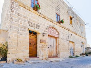 3 bedroom Farmhouse Barn with A/C in Marsaxlokk - Marsaxlokk vacation rentals