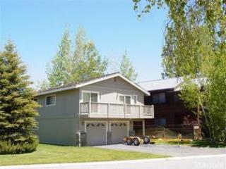 Exterior - 585 Alpine Drive - South Lake Tahoe - rentals