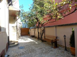 un appartamento con due camere - Timisoara vacation rentals