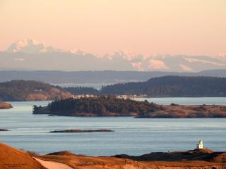 Comfortable Condo with Deck and Internet Access - Friday Harbor vacation rentals