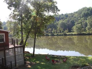 Riverfront home on 40 Acres-5 Minutes from N.R.T. - Fries vacation rentals
