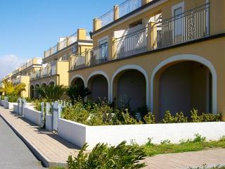 Appartamento al mare con giardino - Pizzo vacation rentals
