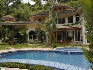 Spacious 6 bedroom Villa in Los Suenos with Internet Access - Los Suenos vacation rentals