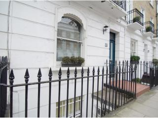 Lovely one-bed home in the popular Chelsea area. - London vacation rentals