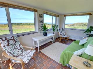 Lovely Cottage with Washing Machine and Television - Rhoshirwaun vacation rentals
