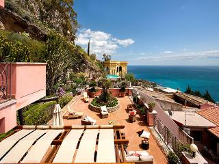 Sicily Villa with Pool for Two Groups in Taormina - Casa Taormina - Taormina vacation rentals