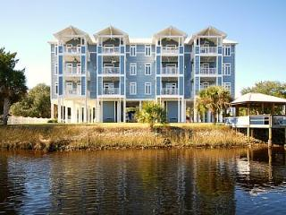 Nice Condo with Dishwasher and Long Term Rentals Allowed (over 1 Month) - Steinhatchee vacation rentals
