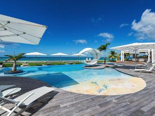 Luxurious six bedroom villa with private chef, heated pool, jacuzzi, in-pool - Plum Bay vacation rentals