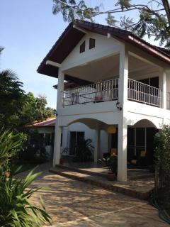Gorgeous Ban Laem Mae Phim vacation House with Satellite Or Cable TV - Ban Laem Mae Phim vacation rentals
