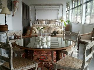 55TG's - Angel's - Colombo vacation rentals