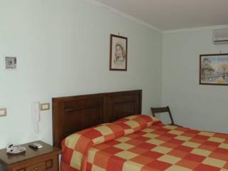 la villa del Patrizio affittacamere - Ostia Antica vacation rentals