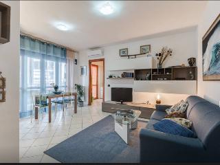 appartamento nuovo 2 minuti  FCO - Fiumicino vacation rentals
