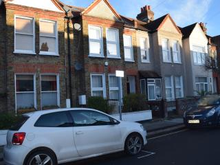 3 Bedroom house, 3 Bathrooms, garden, London - London vacation rentals