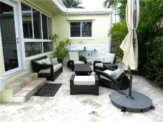 Charming House with Internet Access and A/C - Surfside vacation rentals
