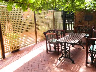 Lovely Cottage with Internet Access and Dishwasher - Hatfield vacation rentals