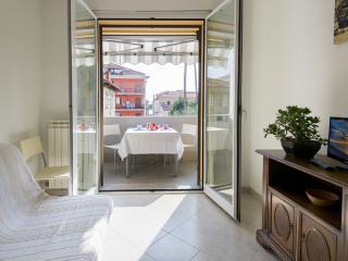 Appartamenti Palmaria-Bilocale con terrazzo - Diano Marina vacation rentals