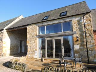 Peaceful Cotswold 5* Countryside Apartment for 2 with Great Rural Views - Bretforton vacation rentals