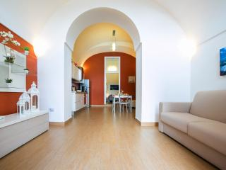 Newly refurbished 2 bedroom apartment Vico Equense - Vico Equense vacation rentals
