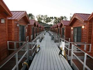 Nice Condo with Television and Water Views - Guntersville vacation rentals