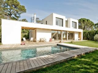 DESIGN VILLA WITH POOL IN MONTPELLIER - Montpellier vacation rentals