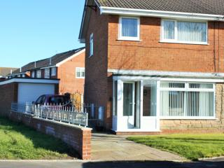 Mayfield FREE WIFI- can link with Bluebell cottage - Thornton Cleveleys vacation rentals