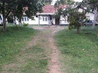 Cozy 2 bedroom House in Negombo with Internet Access - Negombo vacation rentals