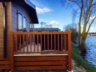 14 Misty Bay - Lake Lodge Hottub WIFI, Tattershall - Tattershall vacation rentals