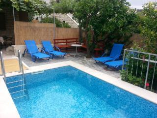 Beautiful Condo with Patio and Television - Sutivan vacation rentals