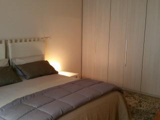 Casa Moretti, bilocale nuovo nel centro di Casale - apartment in the old town - Casale Monferrato vacation rentals
