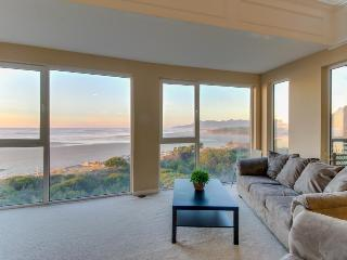 Modern oceanfront condo right on the Pacific Ocean + dogs are welcome! - Rockaway Beach vacation rentals