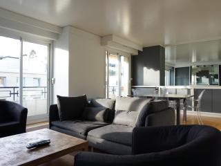 492004 - rue Charles Laffitte - NEUILLY 92 - Hauts-de-Seine vacation rentals