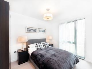 Central London Premium Apartment #2 (Sleeps 6) - London vacation rentals