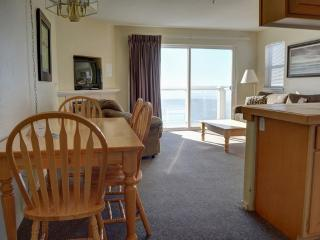 2 bedroom Condo with Deck in Lincoln City - Lincoln City vacation rentals